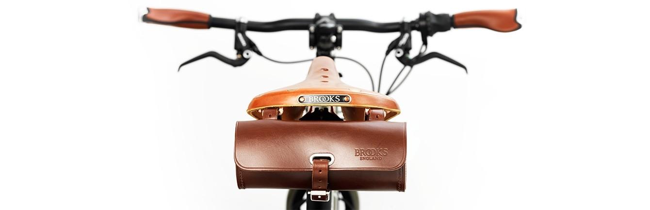brooks_challenge_toolbag_brown_onbike
